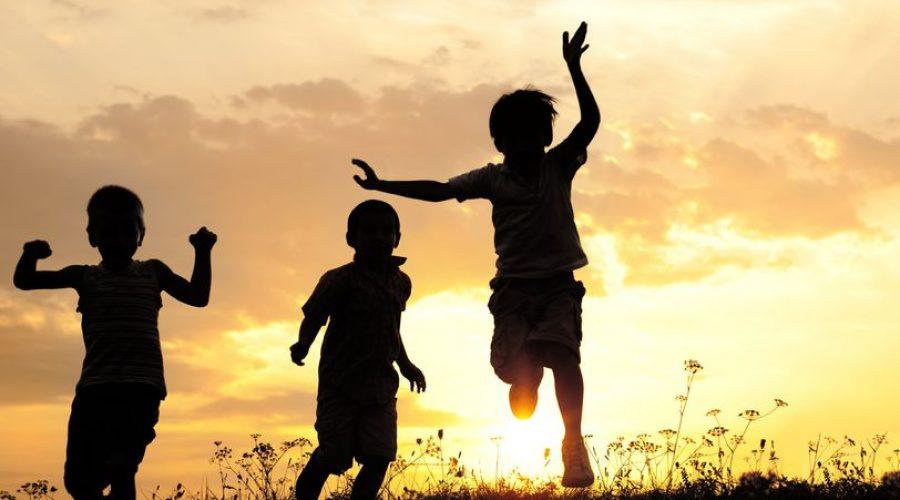مزایا و معایب آفتاب برای کودکان