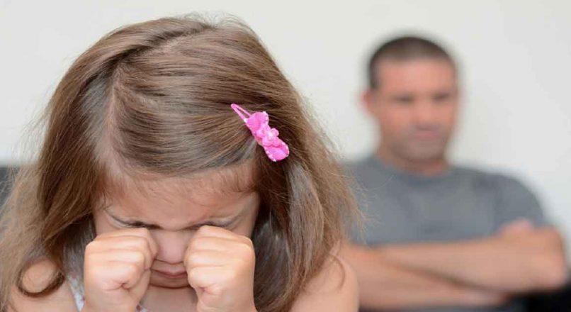 اثر مخرب انتقاد بر کودک